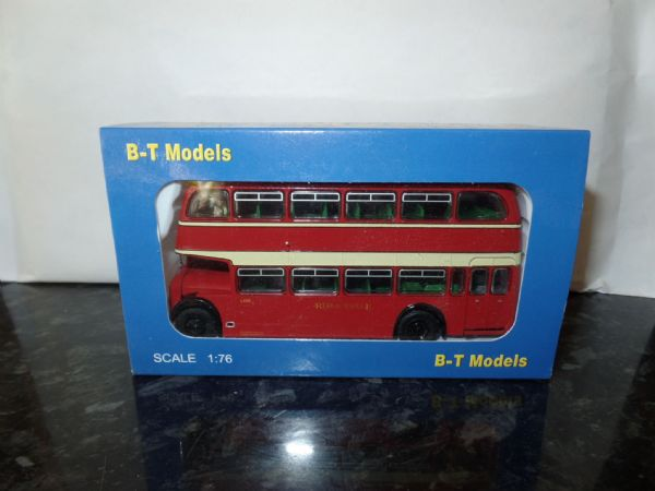 B T Models B114B 1/76 OO Scale Bristol Lodekka LD Bus Closed Back Red & White route 147 Abergavenny